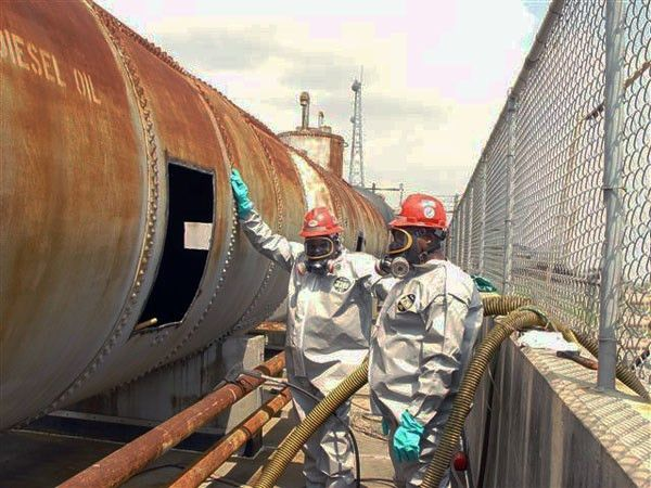 Storage Tank Cleaning - Oil Tanks, Fuel Tanks, Chemical Storage ...