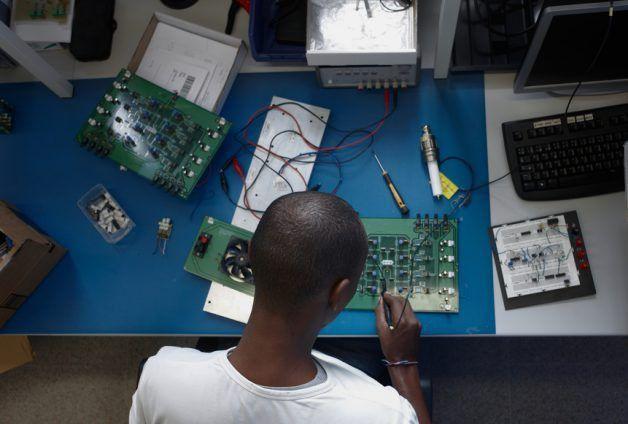 Electrical Technician Job Description Sample Template | ZipRecruiter