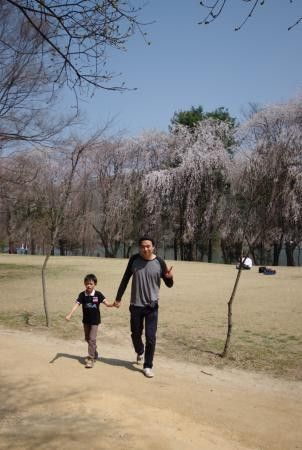 Juno as a babysitter :P - Picture of Top Korea Tour - Private Day ...