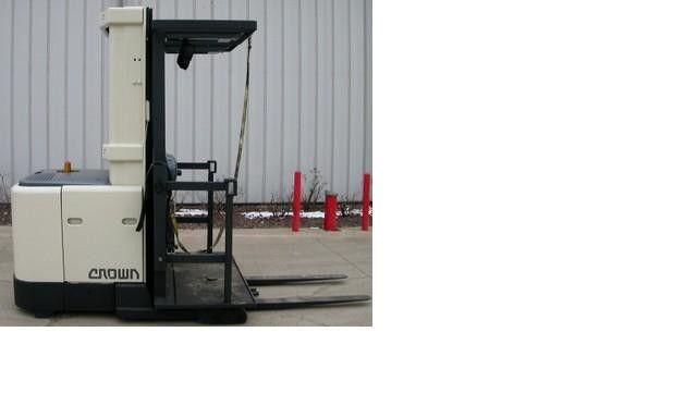 Crown SP3000 Order Picker Forklift