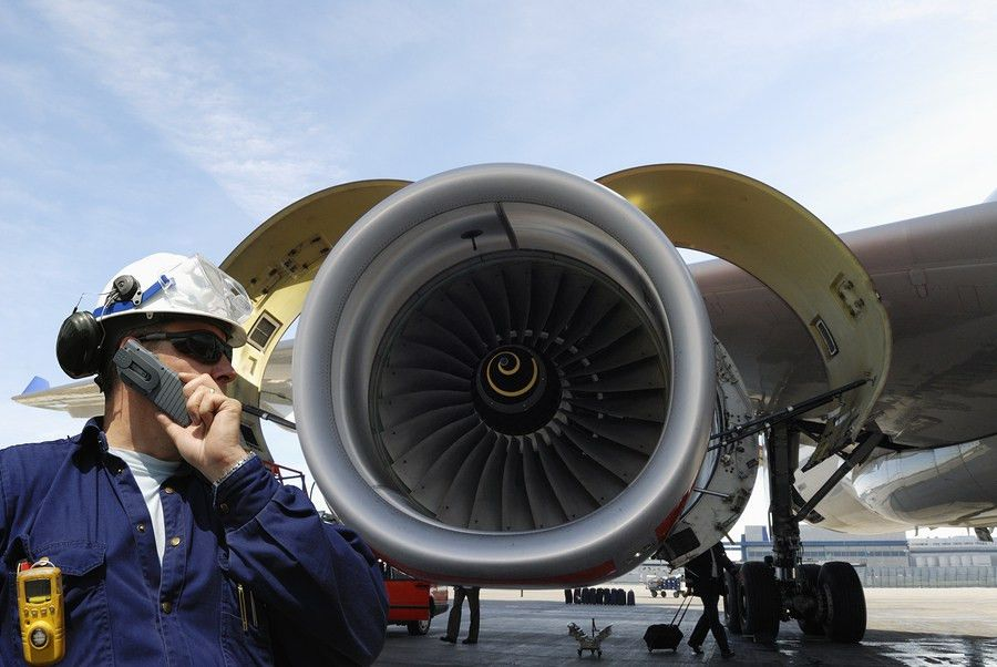 Aircraft Maintenance Technicians Job, Salary, and School ...
