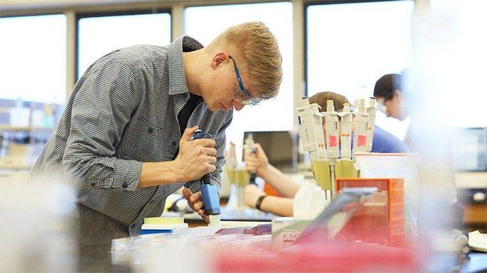 UW-La Crosse biochemistry program earns high review as workforce ...