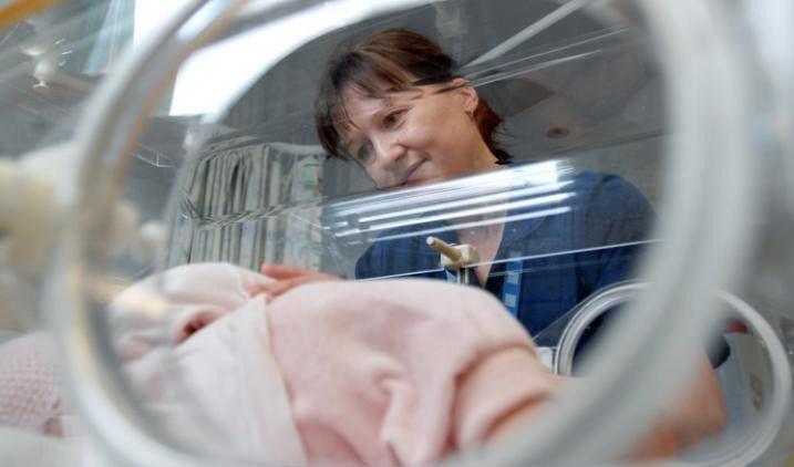 Neonatal nurse | Health Careers