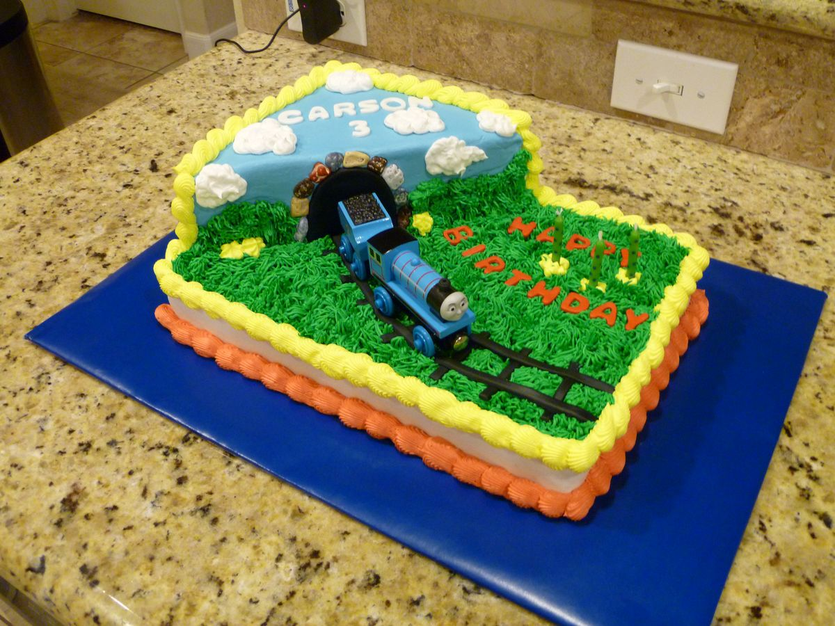Cake Images Of Thomas The Train : 1000+ images about Thomas & Friends Birthday Party on ...