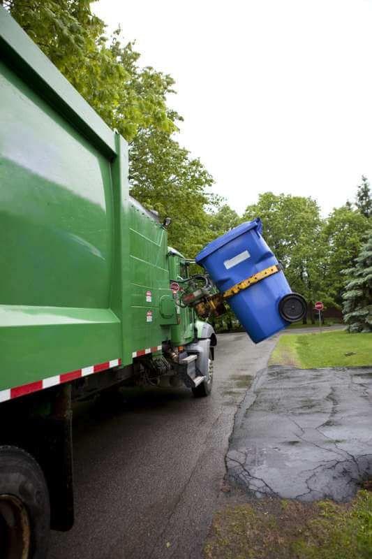Clovis Garbage Truck Driver Saves Choking Mother | CDLLife