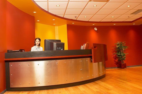 Front Desk Receptionist Description - Woman