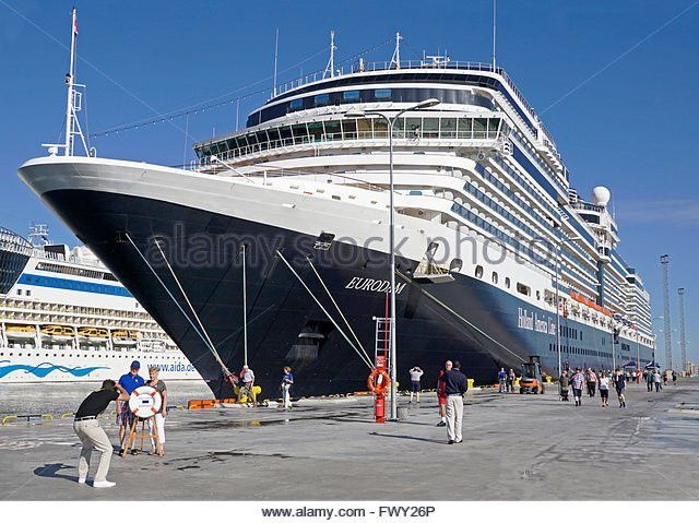 Cruise Ship Passengers Stock Photos & Cruise Ship Passengers Stock ...