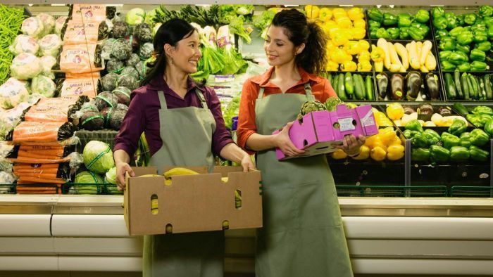 What is the job description of a grocery stocker? | Reference.com