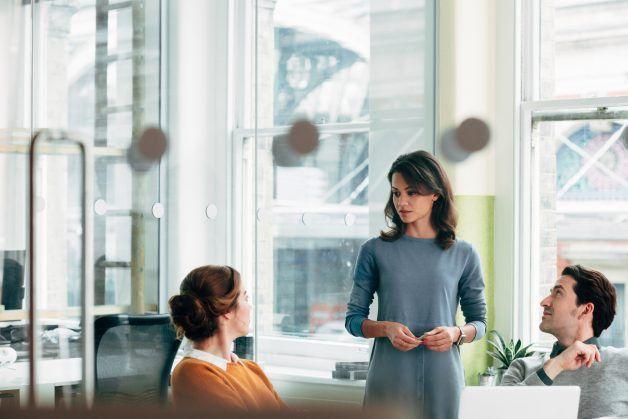 Accounts Receivable Job Description Template (FREE) | ZipRecruiter®
