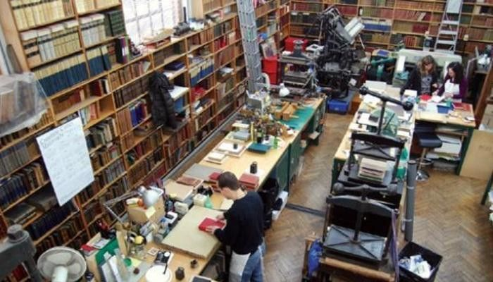 How to Become a Bindery Machine Operator in the US