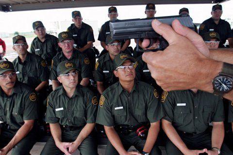 Former Border Patrol officials question Trump - Business Insider