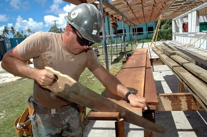 Carpenter Job Description, Qualifications and Outlook | Job ...