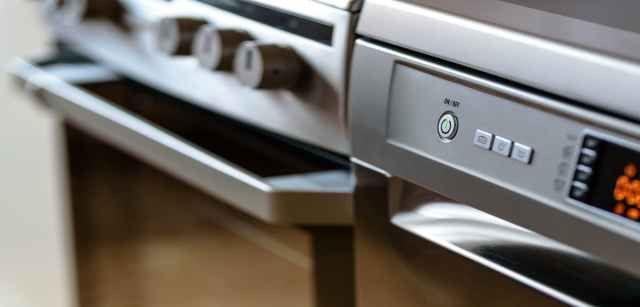 How to save on home appliance repairs   PolicyGenius