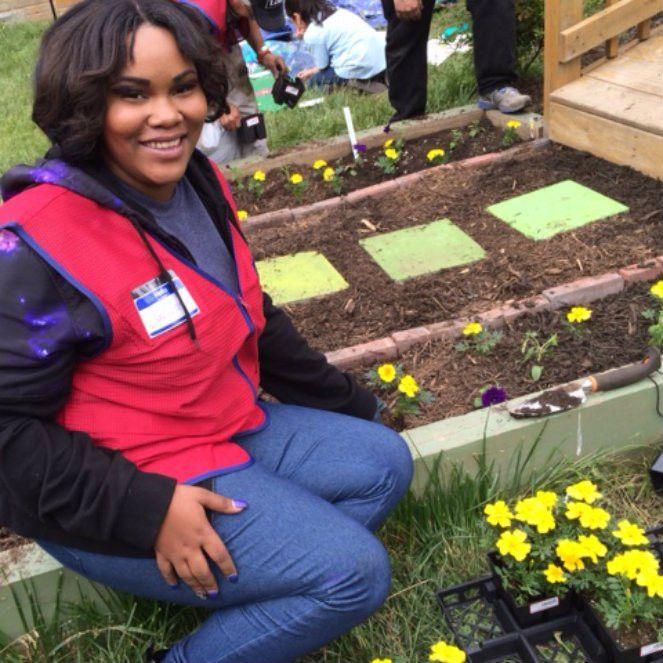 Lowe's Heroes | Volunteers | Lowe's