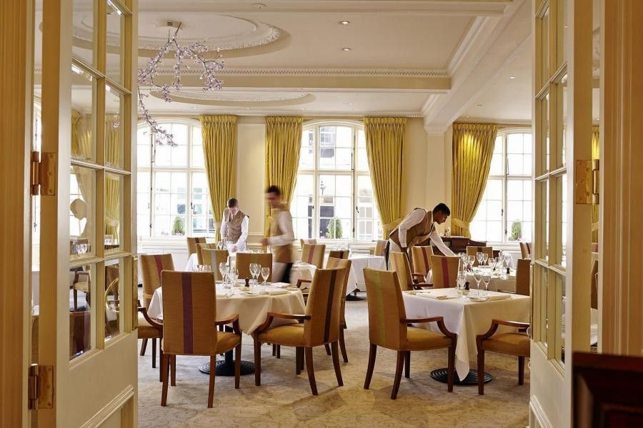 Famous London restaurants: The Dining Room at The Goring Hotel ...