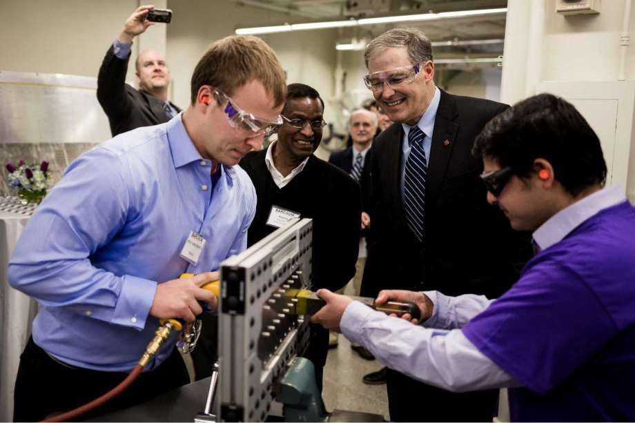 New lab lets UW students, Boeing engineers take on real-world ...