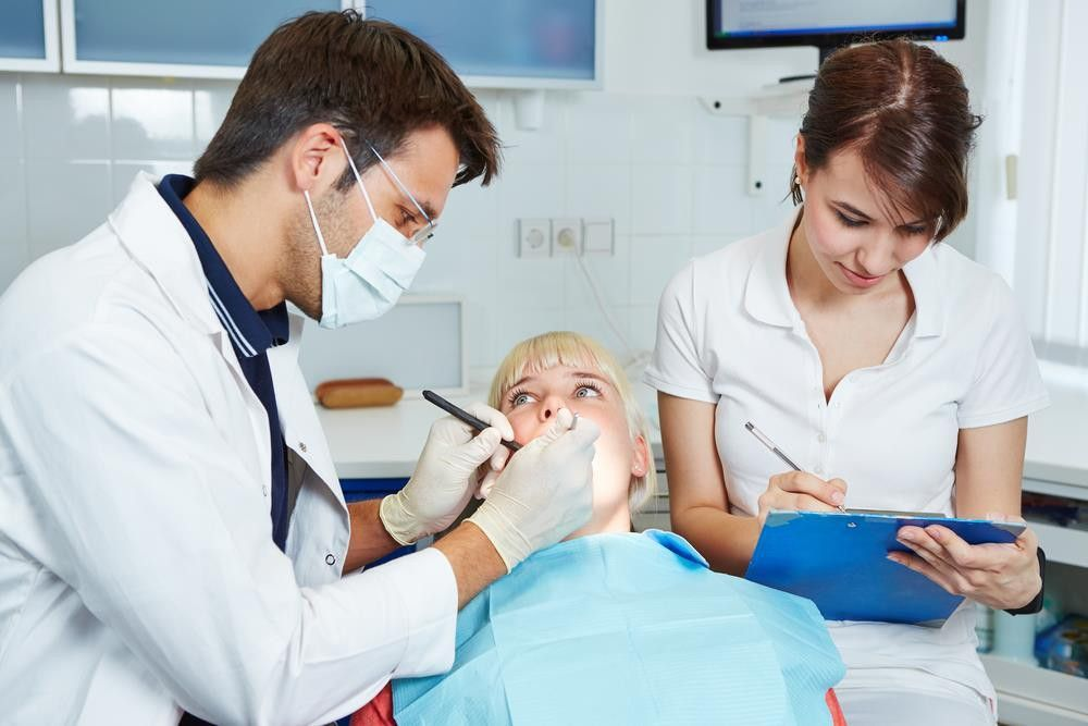 Want to Know About the Dental Assistant Salary Stats? (Updated)