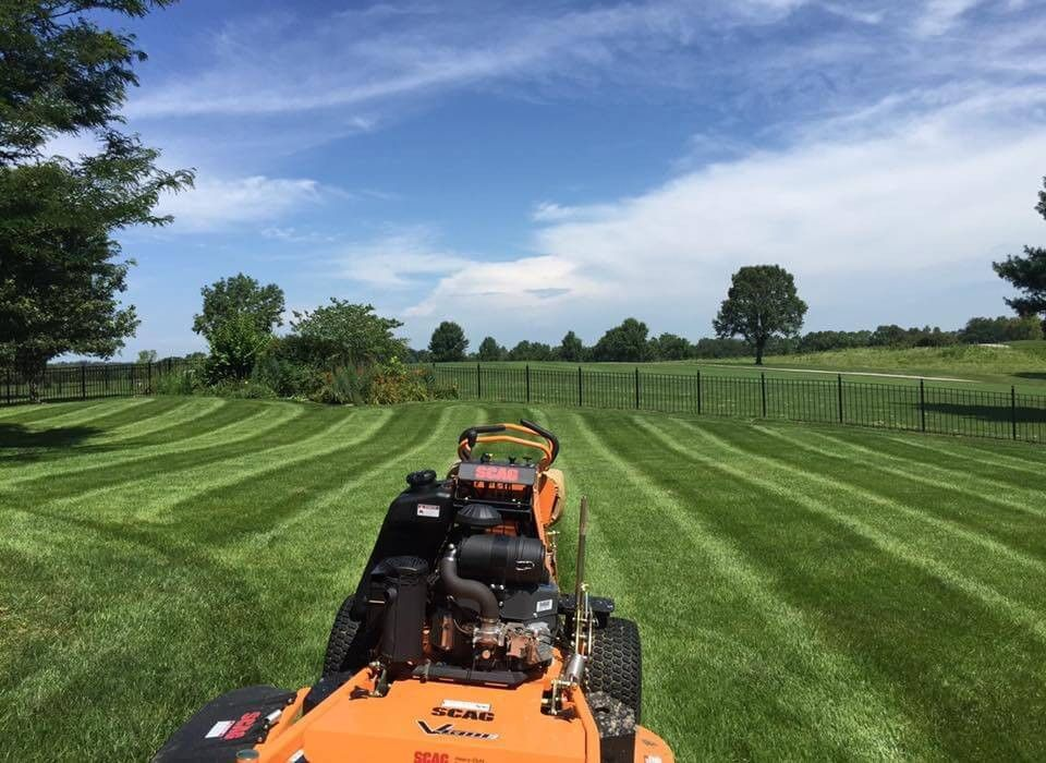 Lawn Care Kansas City, MO | B & B Lawn Care