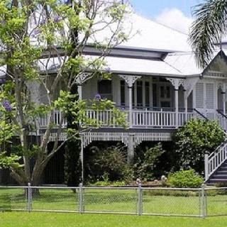 1000 images about queenslander homes on pinterest for Queenslander exterior colour schemes