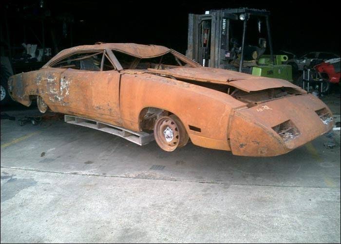 1000 images about abandoned on pinterest abandoned cars barn finds and corvettes. Black Bedroom Furniture Sets. Home Design Ideas
