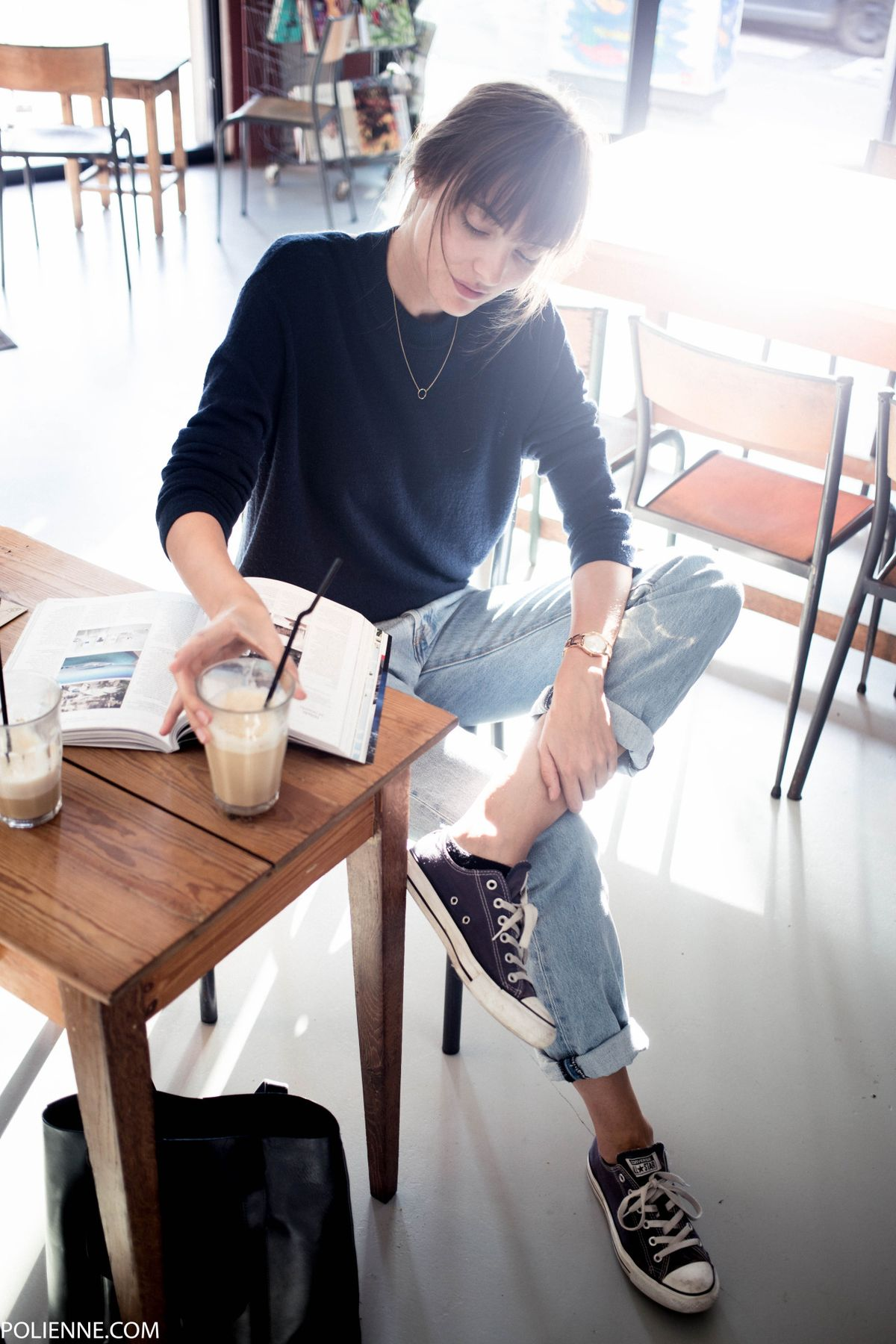 6fb3f79fa63953c0e56c6de50b430d42 - Casual spring work outfits with sneakers 15 best outfits