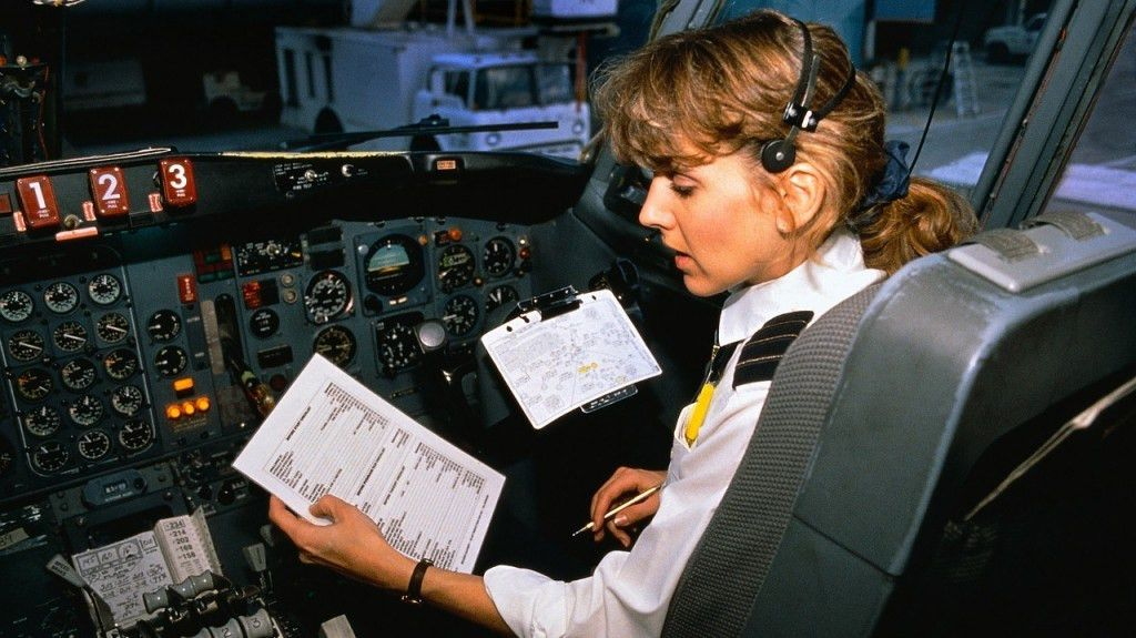 APG 123 - Good First Officer Traits, Heading vs Course, IAS vs ...