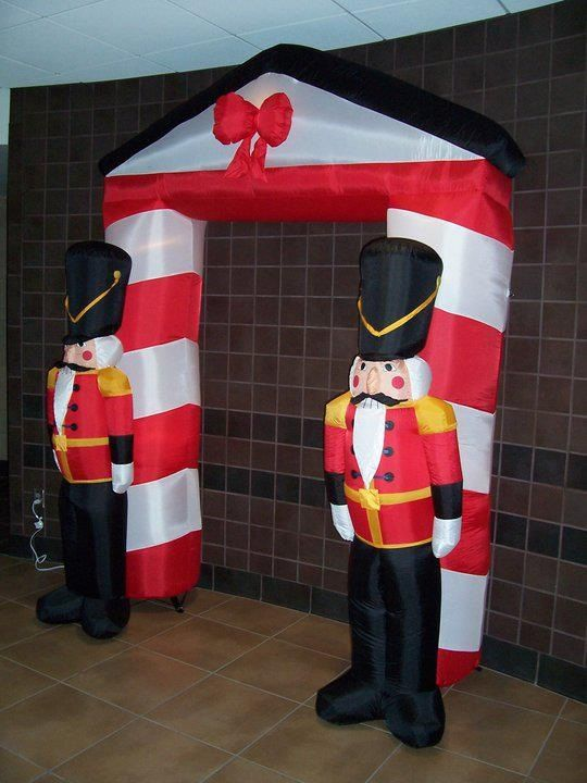 Inflatable christmas decorations for outside cheap for Christmas yard decorations for sale