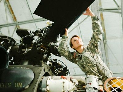 Helicopter Repairer | National Guard Jobs: On Your Guard
