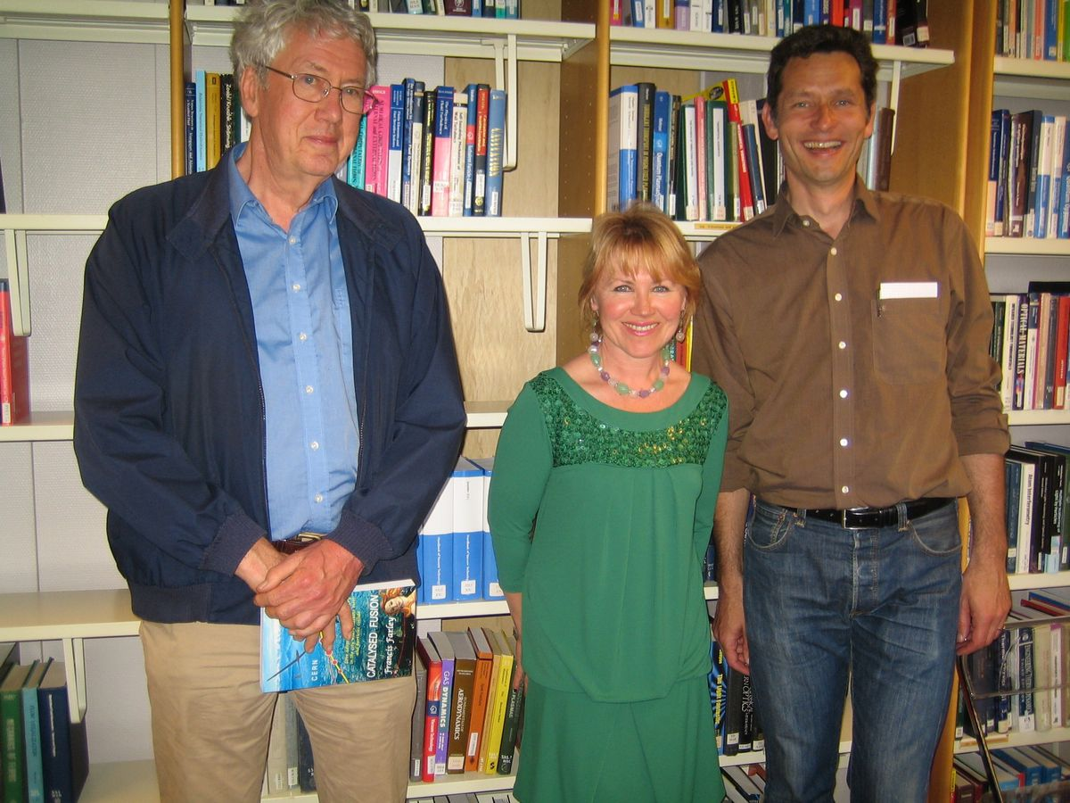 """Francis Farley presenting his novel """"Catalysed Fusion"""" in the CERN ..."""
