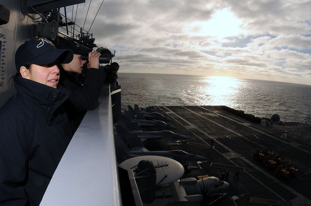 File:US Navy 090226-N-9760Z-010 Intelligence Specialist 3rd Class ...