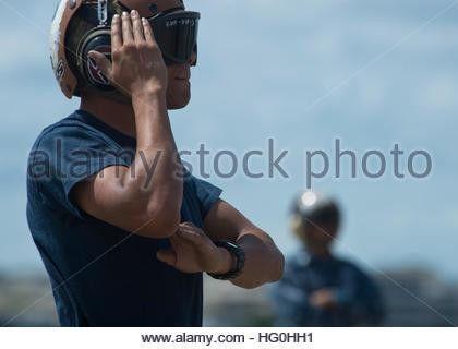 U.S. Navy Aviation Electronics Technician 1st Class Christopher ...