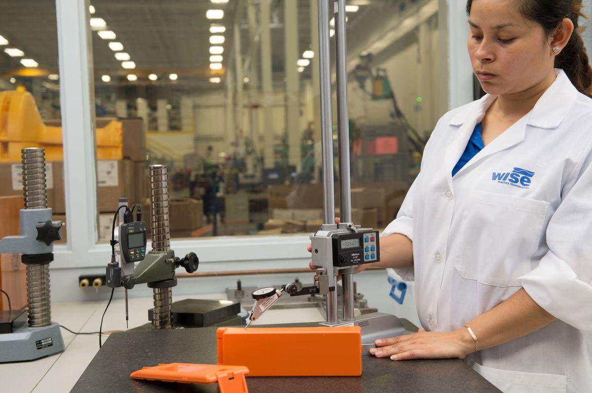 Plastic injection molding, ISO 9001, ISO 13485, Custom molding ...