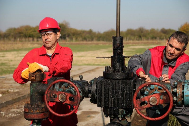 What do Petroleum Engineers do? | School of Petroleum Engineering