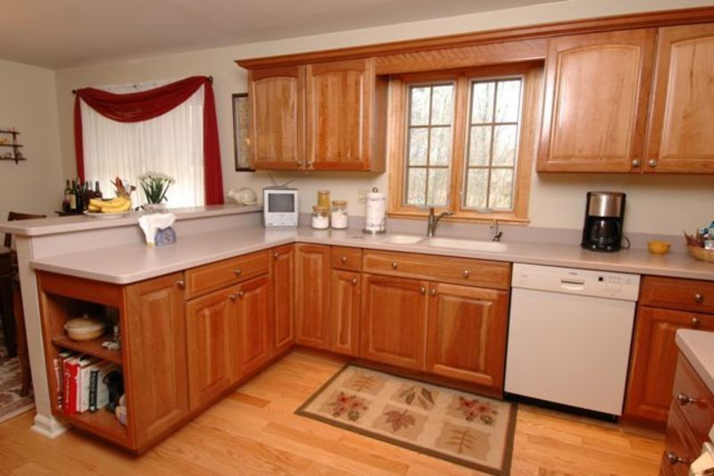 ideas for small kitchens, HGTV Small Kitchen Design Small Kitchen ...
