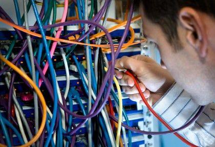 Computer Network Technician Job Description, Career as a Computer ...