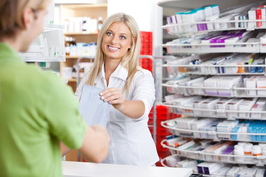 Pharmacy Technicians Job, Salary, and School Information | Career ...
