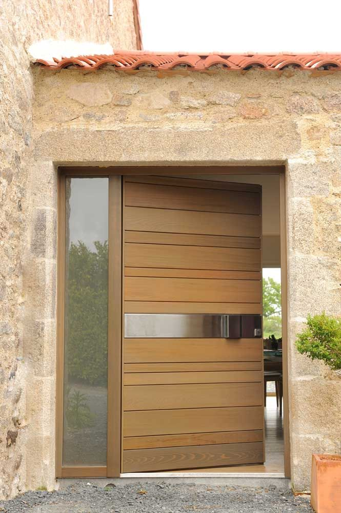 Modern Front Door with Stainless Steel Handle \ Side Lite installed - entree de maison contemporaine