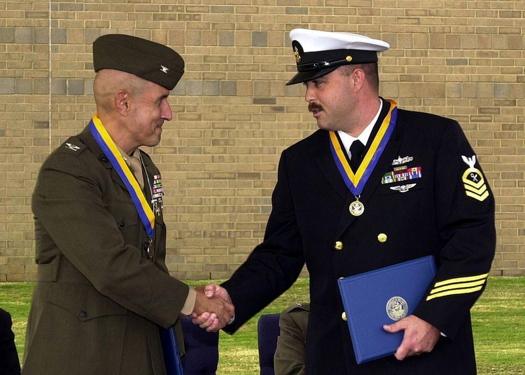 File:US Navy 061020-N-1082Z-003 Marine Corps Intelligence Training ...