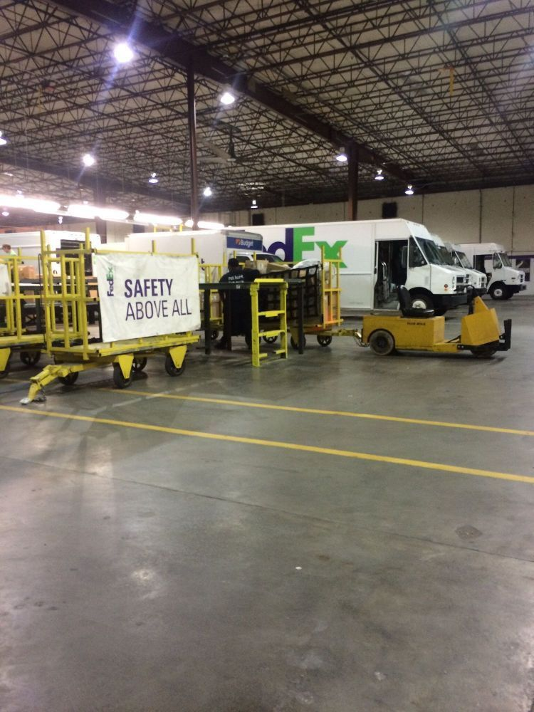 Inside fedex warehouse... - FedEx Ground Office Photo | Glassdoor