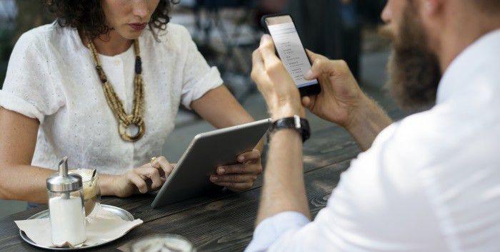 Social media specialist job description template | TalentLyft