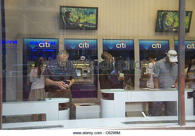 Automated Banking Machine Stock Photos & Automated Banking Machine ...