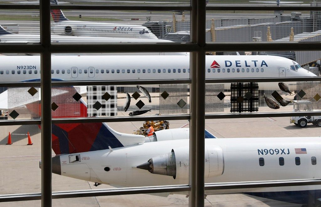 Delta Air Lines gives 6 percent pay raise to most of its workers ...