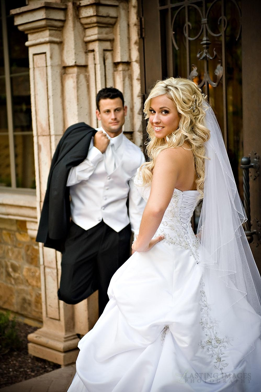 Bridal Parties Outdoor Wedding Pictures And Wedding Photography On Pinterest