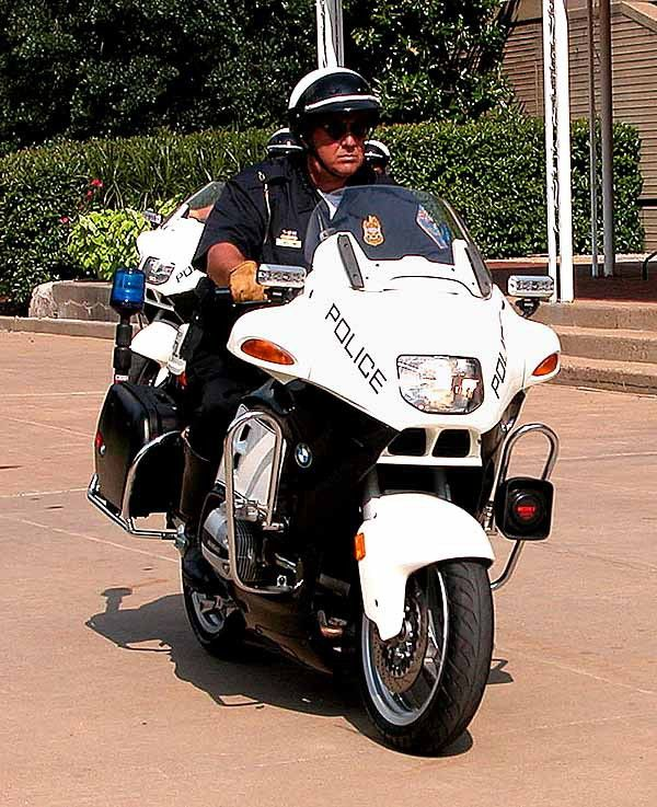 Defense.gov News Article: DoD Police Force Motorcycle Unit in ...