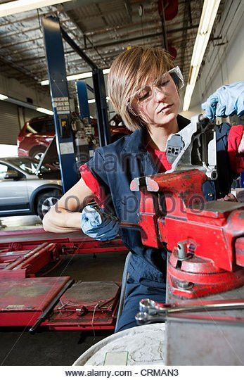 Female Mechanic In Workshop Stock Photos & Female Mechanic In ...