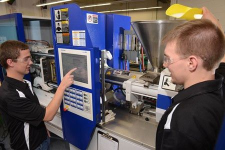 UW-Stout engineering graduates lead the way in employment report