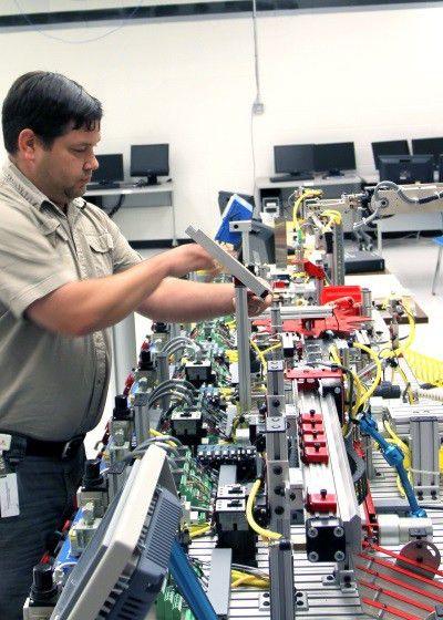 EMCC offers new Electro-mechanical & Mechatronics program