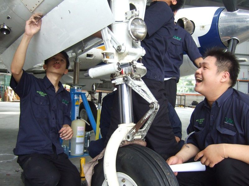 Maintenance Engineer Images - Reverse Search