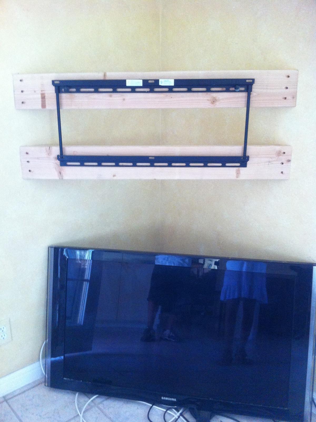 tv mount with shelf corner tv mount and corner tv on. Black Bedroom Furniture Sets. Home Design Ideas