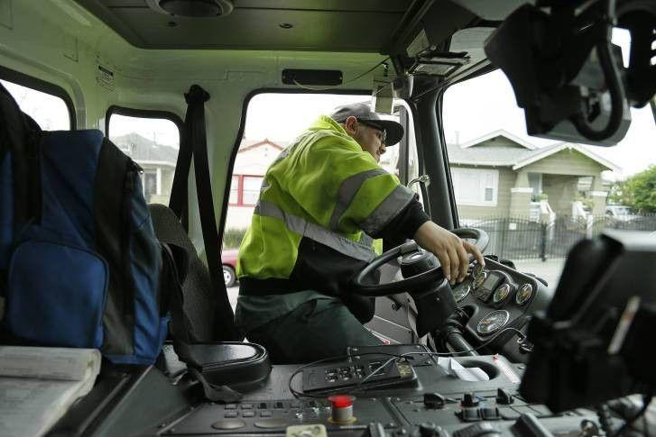 Program trains young garbage collectors amid US shortage | WTOP